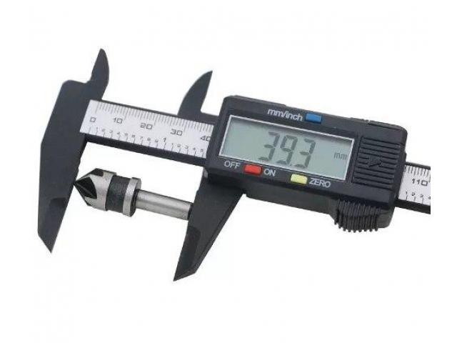 Paquímetro Digital Fibra de Carbono - 2/2