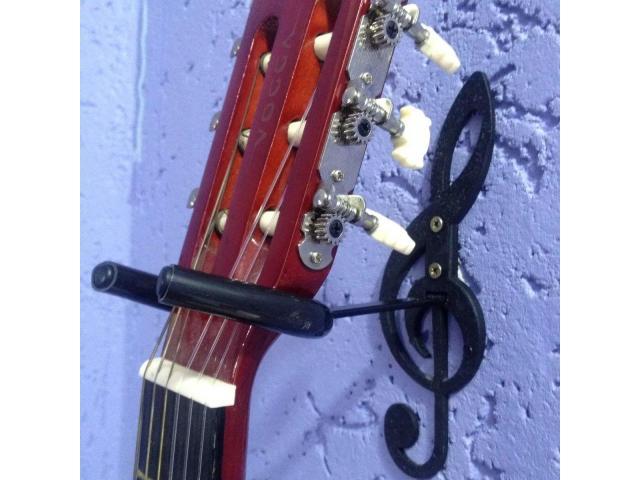 Suporte de Parede para Violão, Guitarra, Contrabaixo - Modelo Clave de Sol - 3/4