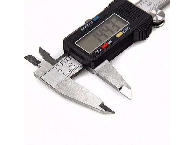 Paquímetro Digital Aço Inox 150mm + Estojo - 2/4